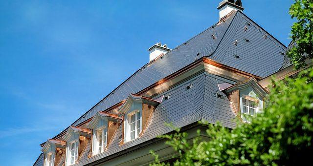 Budowa i renowacja dachu – przydatne informacje