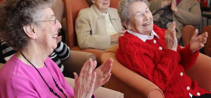 Co warto wiedzieć o opiece nad osobami starszymi?