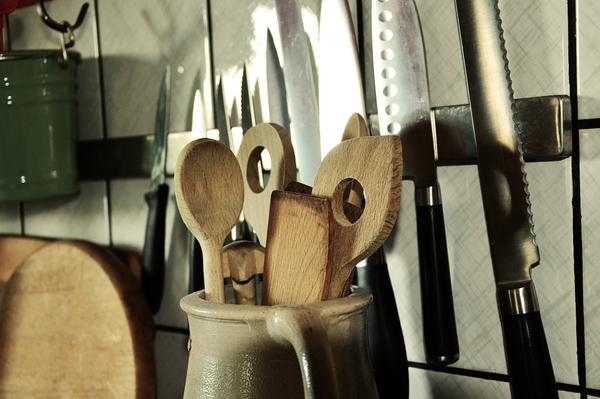 Przybory niezbędne w każdej kuchni