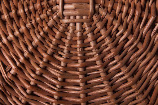Meble, akcesoria i ogrodzenia – zastosowanie wikliny