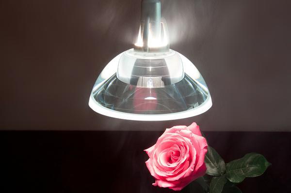 nowoczesne lampy wiszące nad stół