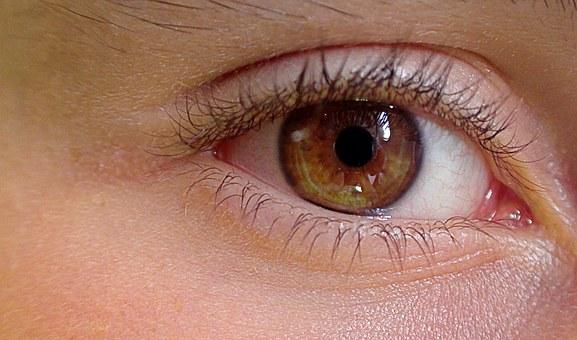 soczewki zmieniające kolor oczu